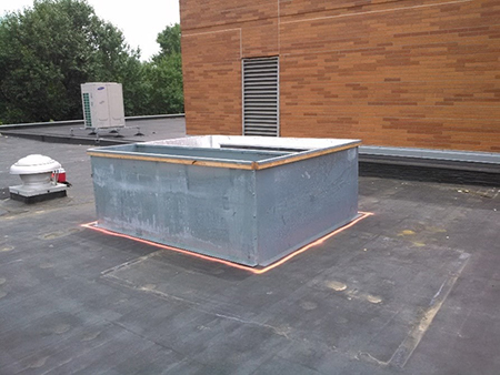 EPDM roof on commercial building